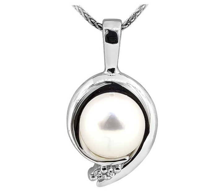 Pearl Pendant by Rego